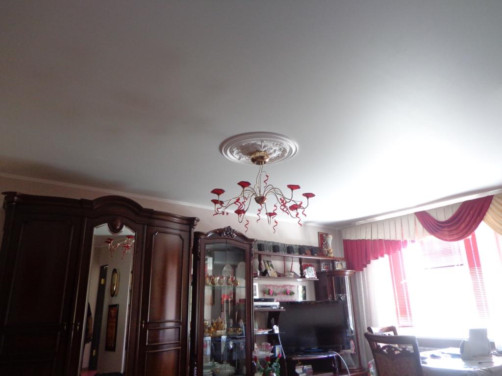 1. Матовый натяжной потолок