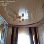 Лак 511. Бежевый натяжной потолок в спальне. / Натяжные потолки в Николаеве. /