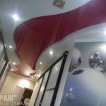 Малиновый глянцевый (лаковый) натяжной потолок.