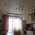 bezhevyy_satinovyy_natyazhnoy_potolok_kupit_v_nikolaeve_S307