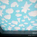 Натяжной потолок с фотопечатью и запотолочной подсветкой в игровой комнате. Ресторан Мафия. / Натяжные потолки в общественных местах. Николаев. /