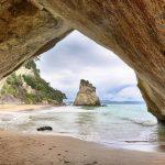 натяжные потолки, фотообои,фрески в Николаеве, море, скалы, пещера, пляж, арка