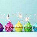 Детские фотообои, Николаев, яркие цветные кексы, пирожное