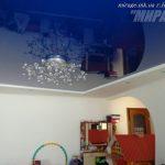 Лак 162. Синий натяжной потолок в детской. / Натяжные потолки в Николаеве. /