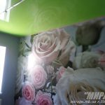 Лак 652. Зелёный натяжной потолок на кухне.