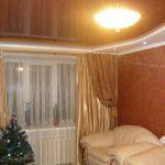 Лак 525. Коричневый натяжной потолок в зале, Николаев