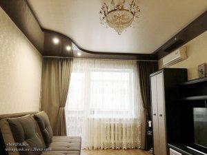 L571_M19_dvuhurovnevyy_natyazhnoy_potolok_v_zale_nikolaev